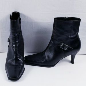 Gianni Bini black square toe ankle booties!